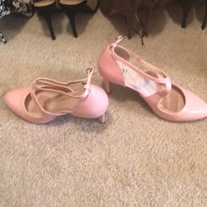 💜2/$40💜 NWT Baby pink heels